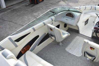 Maria 222 w/Volvo Penta 5.7L w/20 hrs run in, bimini top, galv trailer