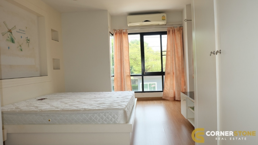 #HR912  3 Bedroom 3 Bathroom In Patta Town For Rent @ East Pattaya