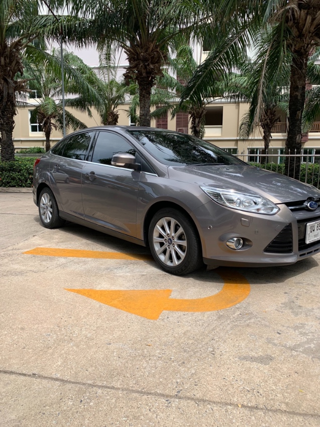 Ford Focus 2.0S 2012 top model