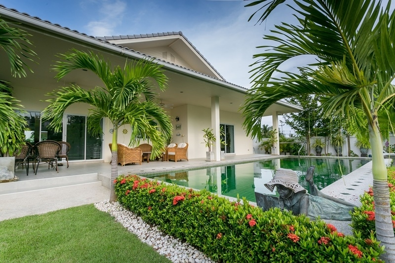 Amazing Tropical 5 BR 4 Bath Pool Villa For 14 Persons