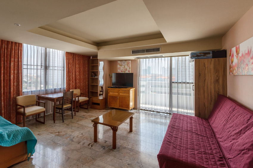 Spacious 1 bedroom for sale in Jomtien Condotel
