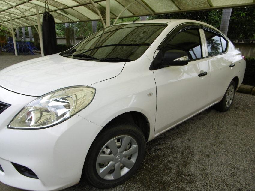 Very nice white Nissan Almera, like new !