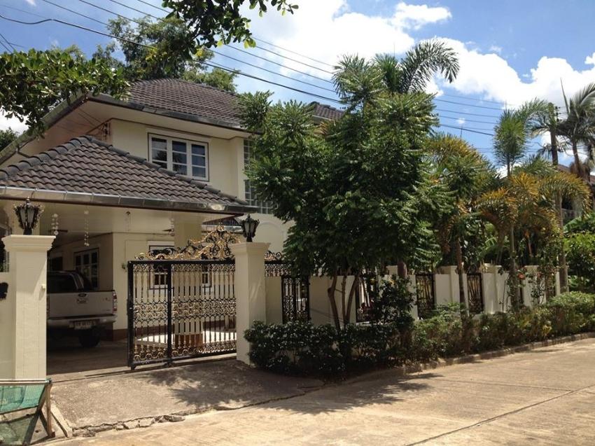 Chiang Rai city centre large house for  sale.