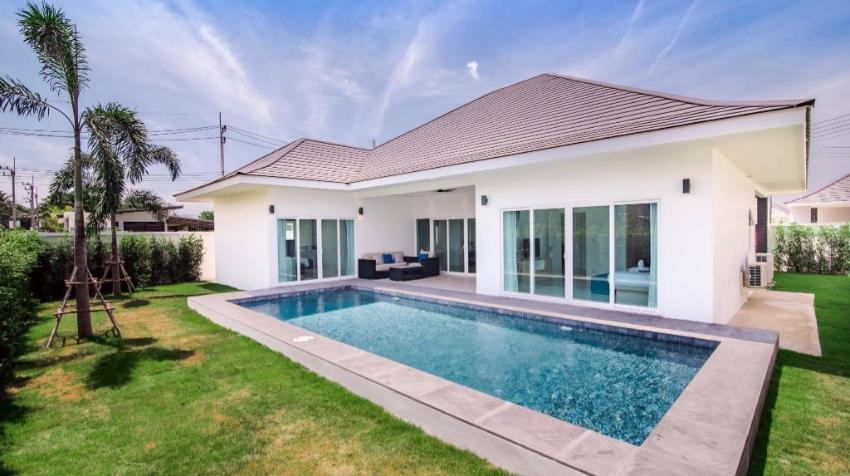 A brand new villa on a big successful project in Hua Hin !!