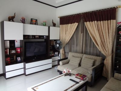 3 Bed 2 Baht L-Shaped Bali Style Villa with Swimming pool