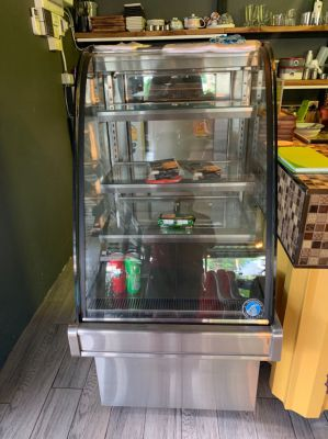 Refrigerated Glass Display, Drinks / Cakes/ Food