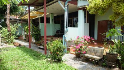 16 Room guesthouse freehold property at top Thappraya location