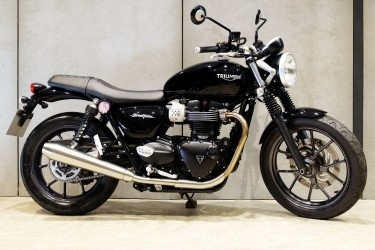 [ For Sale ] Triumph Street Twin 2018 good condition at very valueble