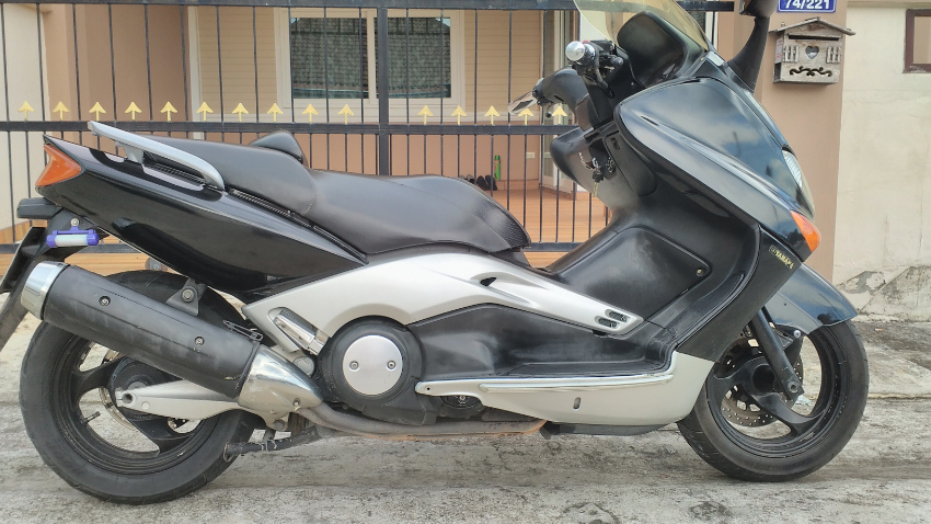 Yamaha TMax reg.2004 only 51 000k/32,000 miles. Taxed insured Jan.2020