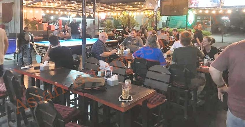 0133022 Lively Local's Pub in Phra Khanong District for Sale