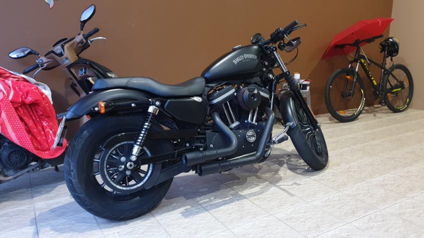 Harley Davidson Sportster 883 w/ V&H Exhaust System