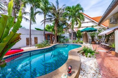 Great Value 3 Bed Pool Villa