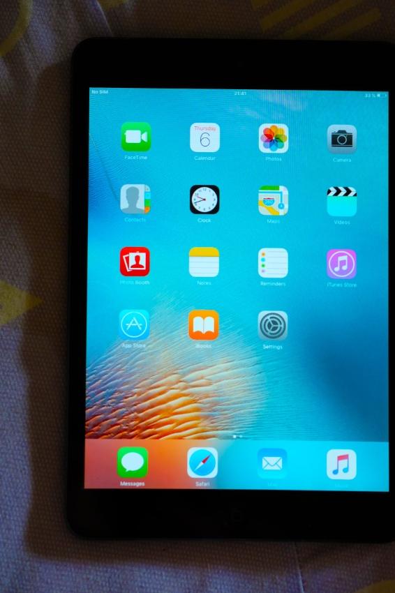 Apple iPad mini 64Gb 3G / 4G (LTE) Black