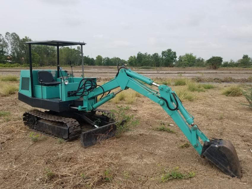Nice 2 ton excavator.