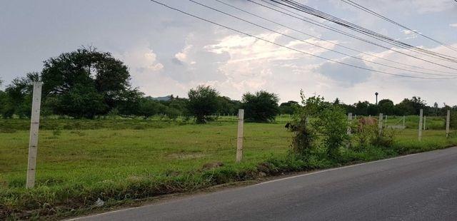 Sale of land in Khao Yai 32 rai, 9000 baht per square wah near Bonanza