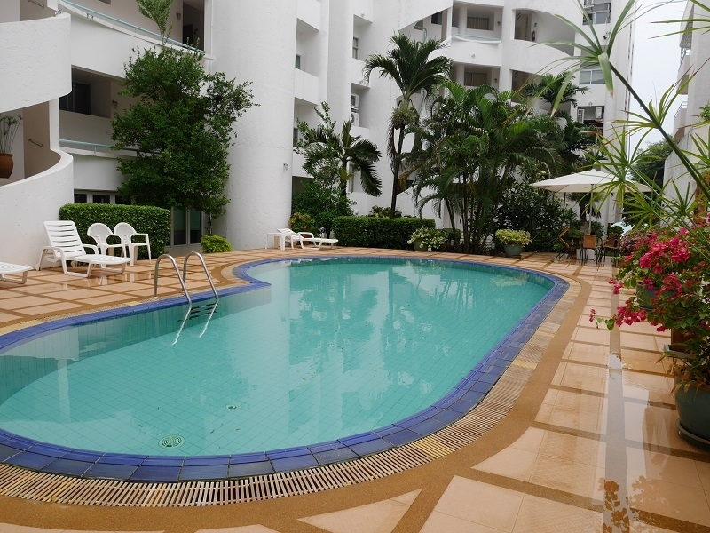 KapCreative on the beach in Wang Kaew Park Extra Large one bedroom