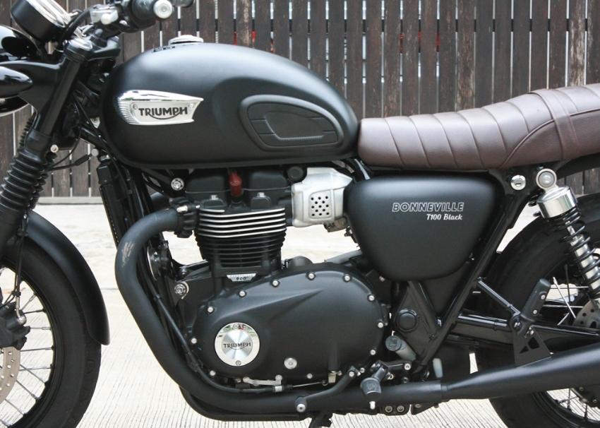 [ For Sale ] Triumph Bonneville T100 Black 2017 with n1 exhurst excell