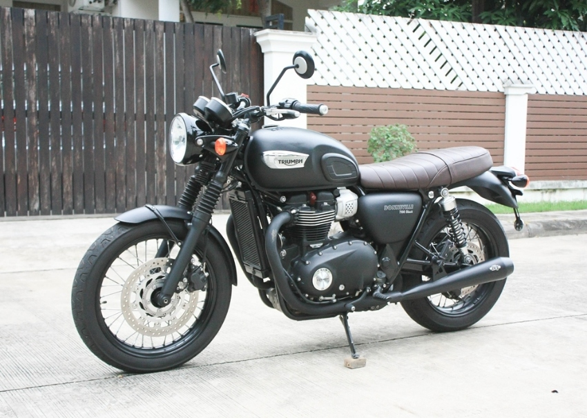 [ For Sale ] Triumph Bonneville T100 Black 2017 with n1 exhurst excell