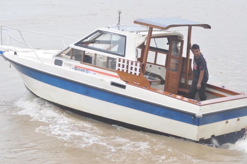 เรือตกปลา Nissan FS 750 เครื่อง ดีเชล nissan sd 33
