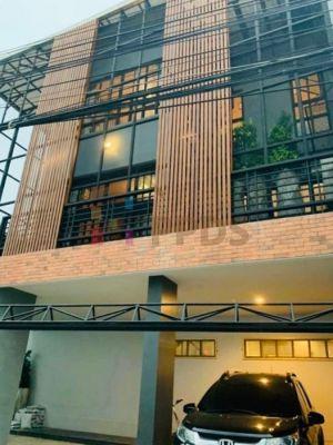 Urgent Sale !!! Single House brand new loft style on Sukhumvit soi 36