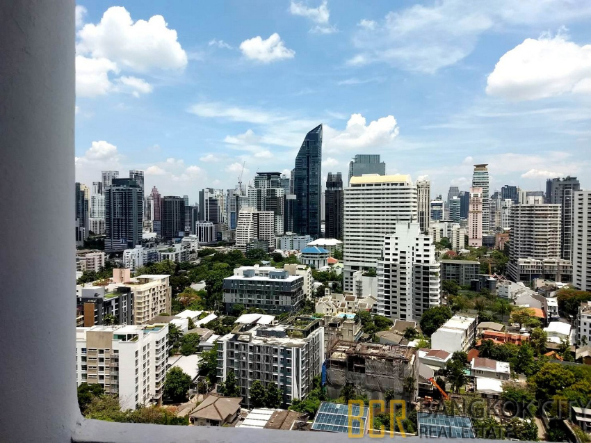 Waterford Park Thonglor Condo Spacious and High Floor 3 Bedroom Unit