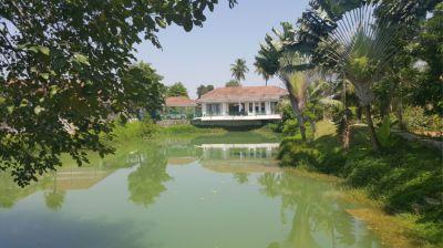 LAKESIDE PIED A TERRE  Huay Yai, Near Pattaya