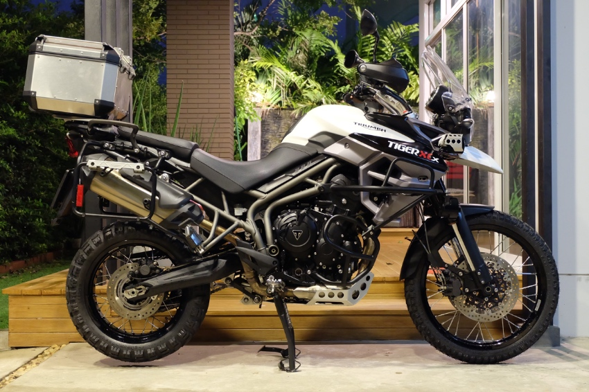 [ For Sale ] Triumph Tiger XCX 2017 with top box only 17,0xx kms!