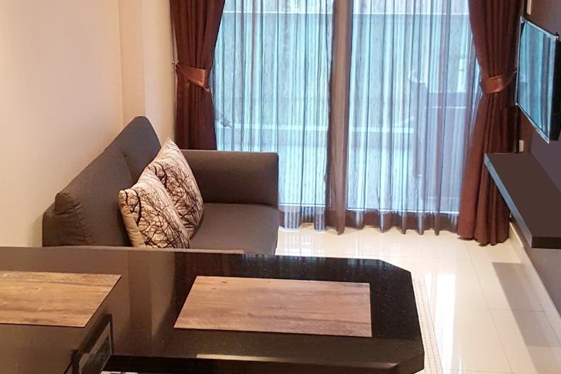 40sqm 1 bed condo in Pratumnak  just reduced in price to 2.1 million!
