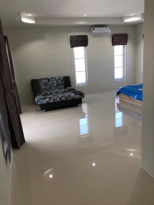 newly built pool villa for rent, up to 10 people in cha-am