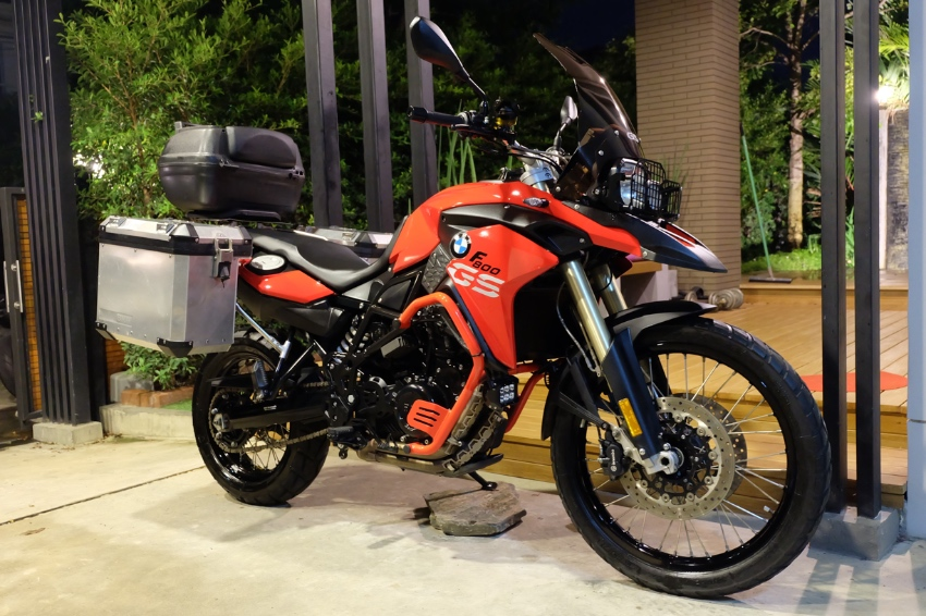[ For Sale ] BMW F800 GS 2016 only 6,7xx Kms with BMW Side panniers!!
