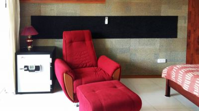 Cheap 2 Beds For Sale Wongamat Beach