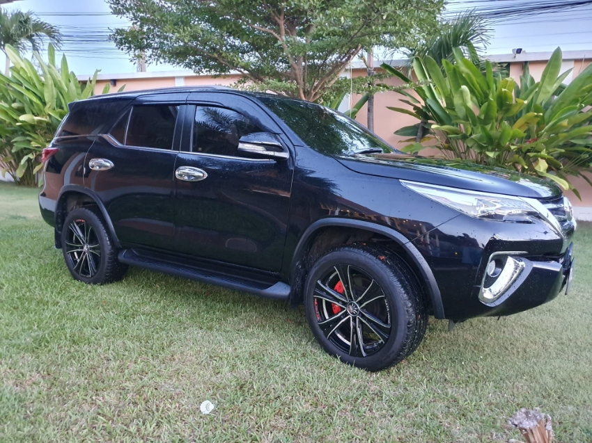 Toyota Fortuner, perfect condition 2015