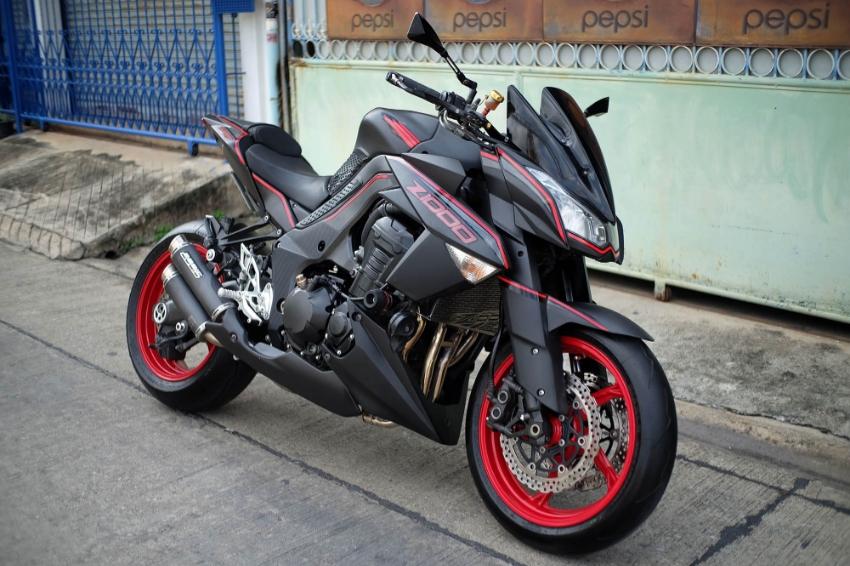 ขาย Kawasaki Z1000 สวยโหด ของแต่งแน่น
