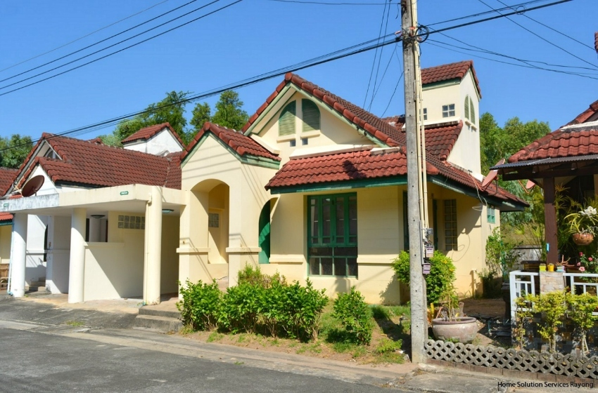 3 bedroom house close to Suan Son beach in Rayong.