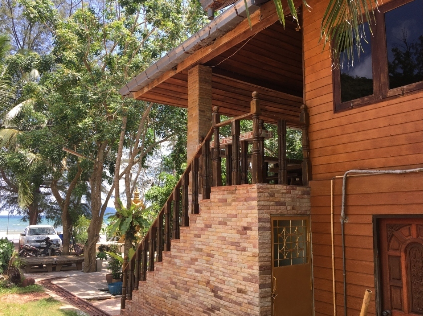 Beach Front Property House & Resort
