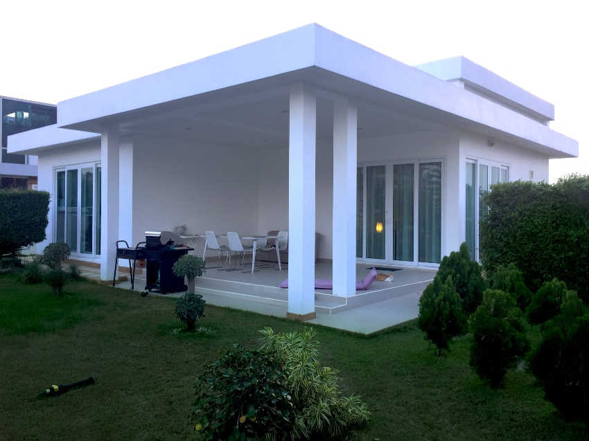 House with Swimming Pool for Sale in Huay Yai Area.