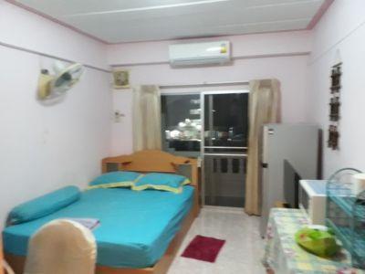 Nirun Corner studio condo for rent-5,300 baht-Free  cable  TV