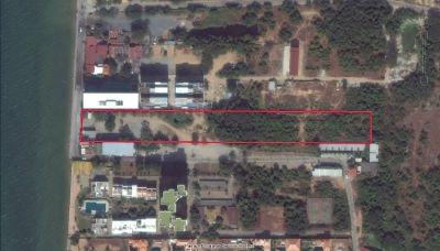 Land in Na Jomtien with 40 meters beach road frontage