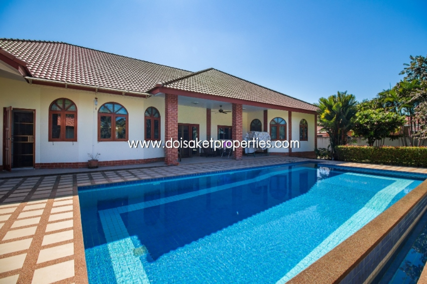 (HS225-03) Beautiful European style house for sale with a private swim