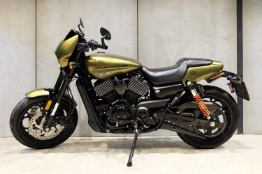 [ For Sale ] Harley Davidson Street Rod 2017 with V&H Exhuast.