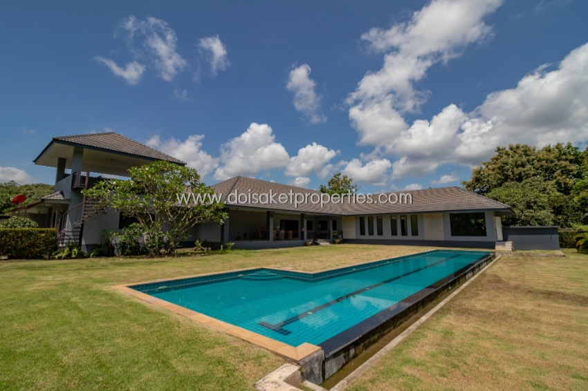 (HS205-05) Large Single Story Villa set on a large peaceful plot of la