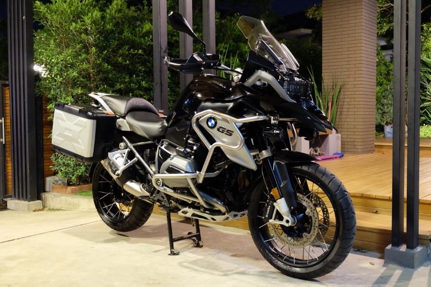 BMW R1200GS 2016 Triple black normal at a very valuable price!!!