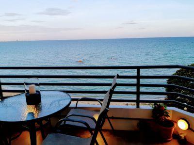 Absolute beachfront loft style condo