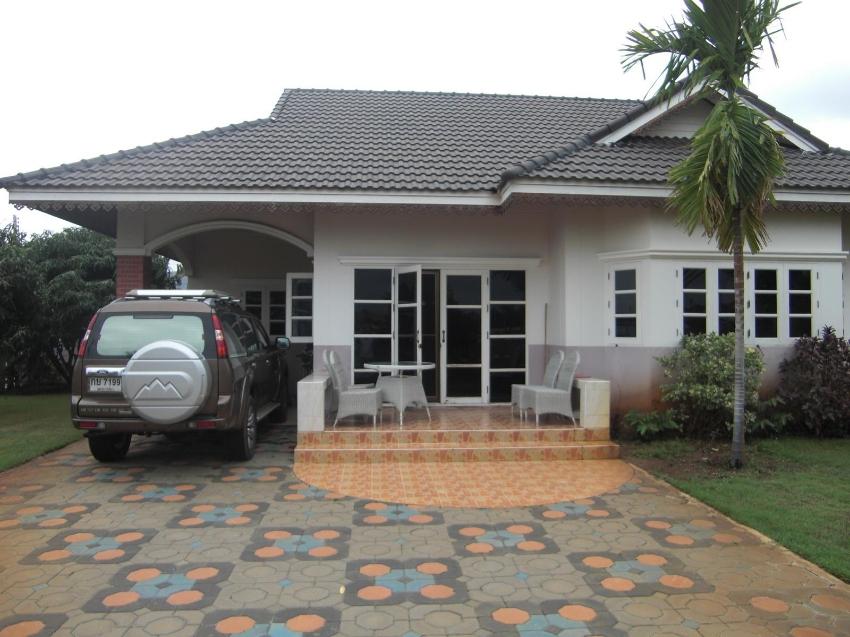 House in Pak Nam Pran near the beach (500m) for rent