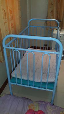 Baby cot steel