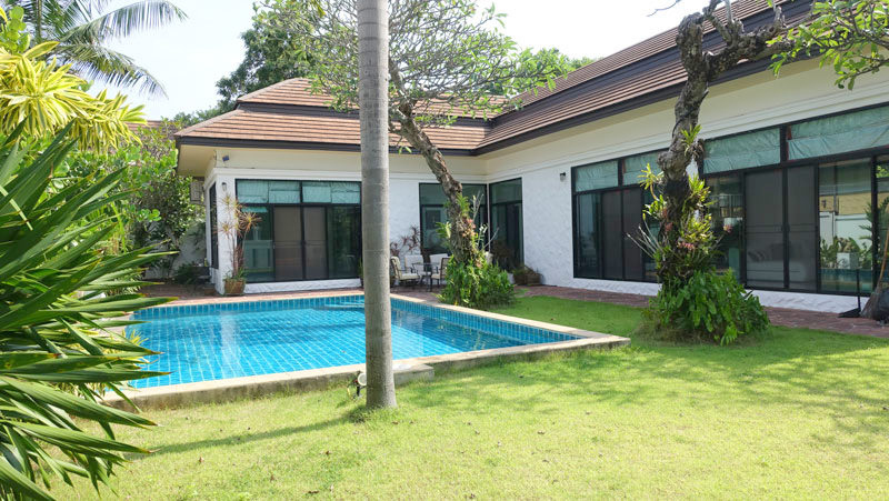 Baan Anda: generous 3 bedroom pool villa, East-Pattaya