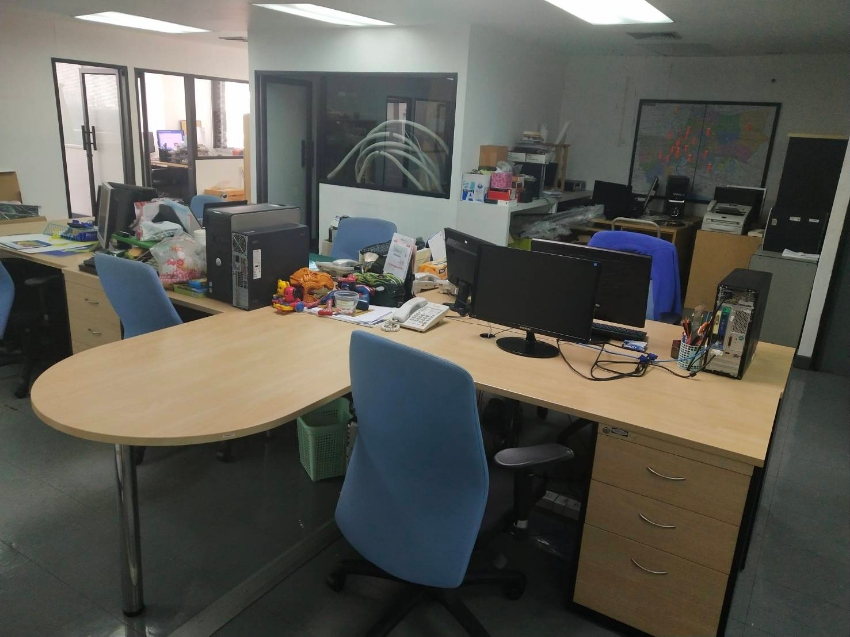 Large Selection of Quality Office Furniture and Equipment