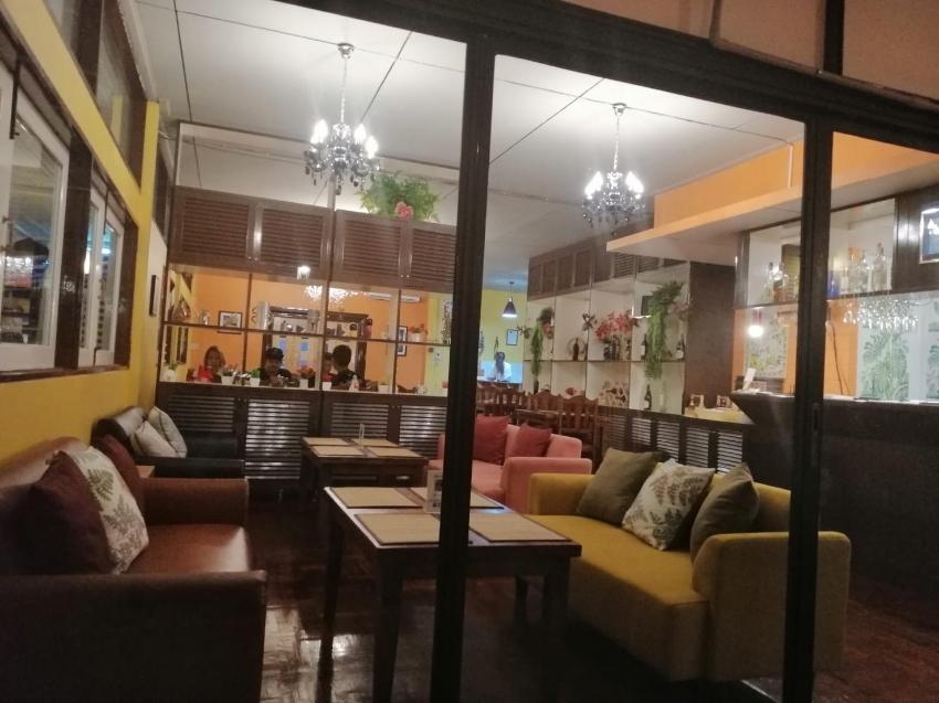Very nice Restaurant  for Sale in Bangkok Ekamai.