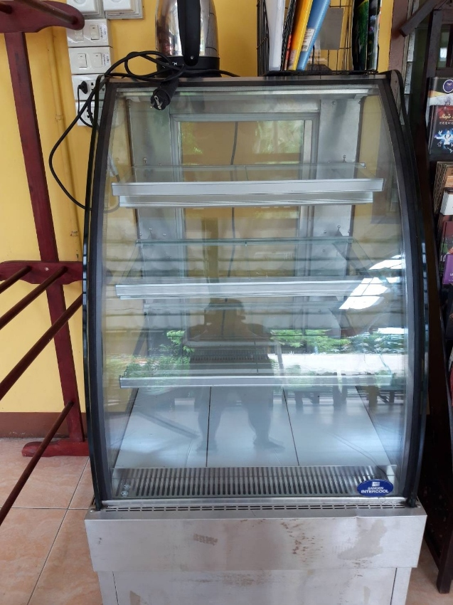 pastry cooler medium size for sale 1 year old used about 1 month