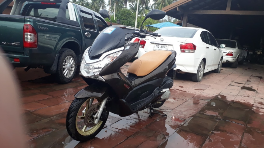 Honda PCXi 150 For Rent